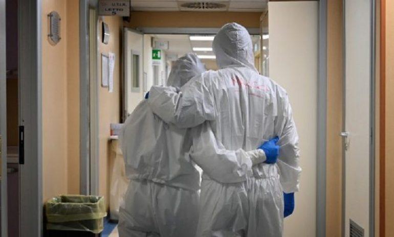 """Coronavirus, la seconda ondata vista da un'infermiera che ha vissuto la prima: """"Voglio tornare in prima linea"""""""
