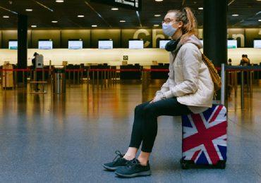 Coronavirus, la variante inglese fa paura: stop ai voli