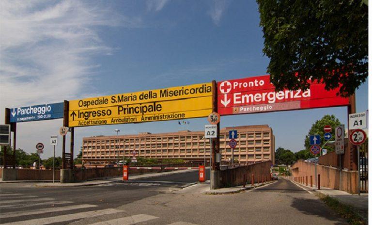 """Coronavirus, primario di Udine rimprovera il politico ricoverato in Terapia intensiva: """"Troppo social"""""""