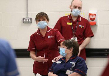 Coronavirus, primi problemi per il vaccino Pfizer in Gran Bretagna