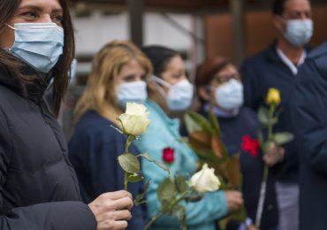 """Fiori in dono ai sanitari che combattono il Covid-19:""""Siamo orgogliosi di voi"""" 2"""