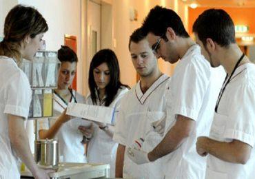 Brescia, stop al tirocinio per studenti di Infermieristica che non si vaccinano contro il Covid