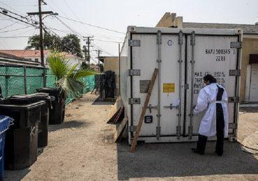 Coronavirus, a Los Angeles mancano le bare: impresa funebre affitta camion-frigo