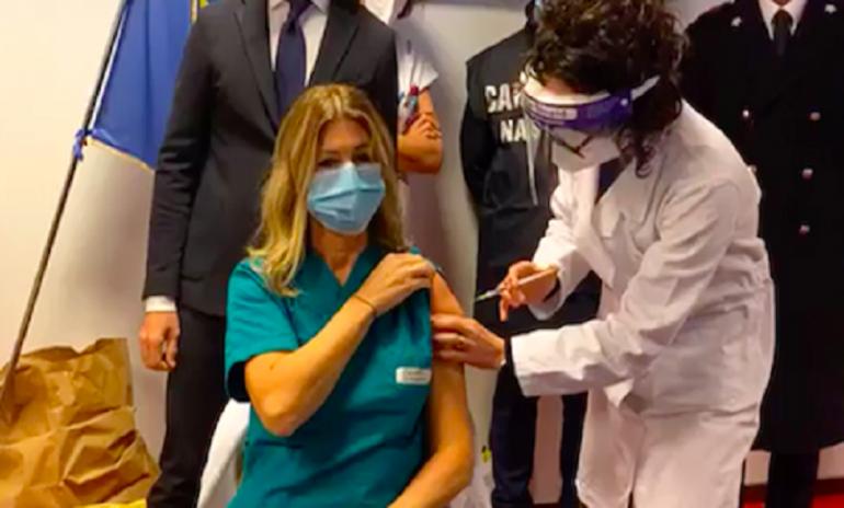 Coronavirus, Opi Treviso minaccia sanzioni contro gli infermieri che rifiutano il vaccino