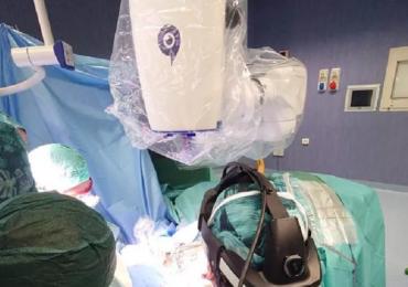 Eccezionale intervento a Torino: dito del piede trasferito sulla mano di un bimbo