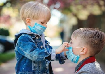 Coronavirus, la variante inglese è più trasmissibile: bambini a rischio
