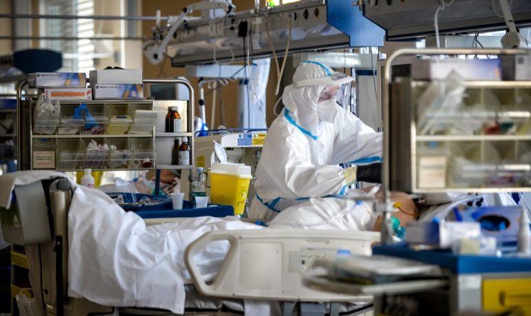 Coronavirus, report Iss: letalità al 2,4% nella seconda fase dell'epidemia