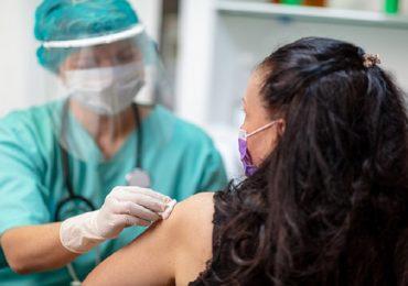 Coronavirus, vaccino a persone fuori lista in Puglia: matassa difficile da sbrogliare