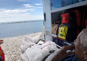 Francesco vorrebbe vedere il mare: l'ambulanza si ferma a Gallipoli 1