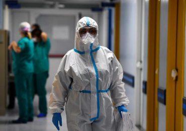 """Coronavirus, monitoraggio Gimbe: """"Allarme contagio e terapie intensive. Manca il 45% dei vaccini"""""""