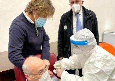 Obbligo vaccinale: ora i sanitari NoVax cambiamo idea per salvare lo stipendio