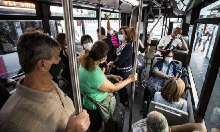 Coronavirus, gli autobus sono sicuri se i passeggeri indossano la mascherina