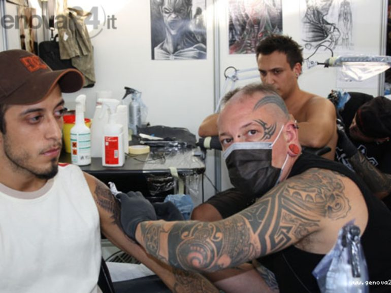 """Zaia:""""Per fare iniezioni non serve laurea"""". Usiamo anche i tatuatosi per le vaccinazioni?"""