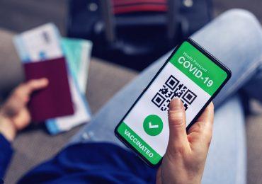 Coronavirus, approvato il certificato digitale Ue: via libera ai viaggi in Europa