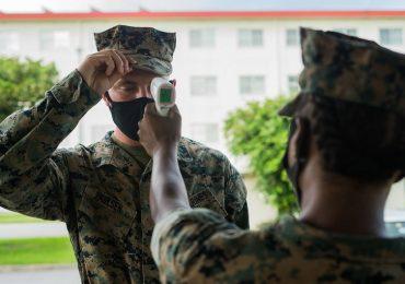 Coronavirus, i giovani possono reinfettarsi e trasmetterlo: lo studio sui Marines