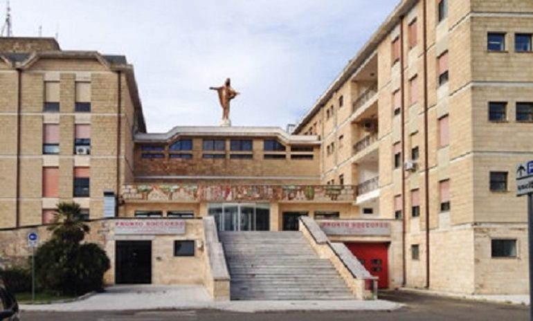 Galatina (Lecce), violenta lite in ospedale tra dottoressa e infermiera