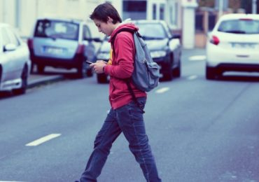 I bambini che svolgono regolarmente attività sportiva hanno maggiori possibilità di sopravvivere attraversando la strada?