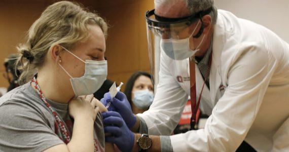 Massa: tirocinante riceve per errore 6 dosi di vaccino anti Covid-19. Ricoverata in osservazione