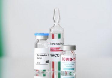 """Coronavirus, buone notizie dal vaccino italiano eVax: """"Efficace anche contro le varianti"""""""