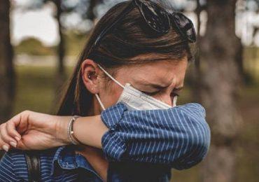 """Coronavirus e allergie ai pollini, l'esperto: """"Vaccino non è controindicato"""""""