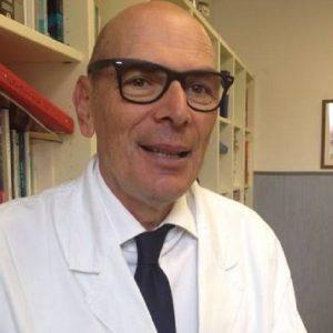 """Coronavirus, il virologo Menichetti: """"Vaccini soffrono di più con la variante indiana. Teniamo le mascherine"""""""
