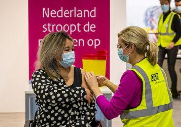 Coronavirus, vaccini AstraZeneca e J&J esclusi dalla vaccinazione dei giovani in Olanda