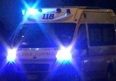 Follia a Napoli: pistola puntata contro ambulanza dopo una rissa