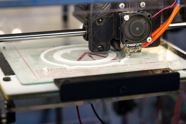 Impiantata per la prima volta protesi del ginocchio in titanio da stampa 3D