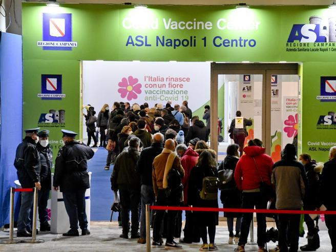Napoli: 44 persone ricevono per errore il vaccino AstraZeneca anziché Pfizer.