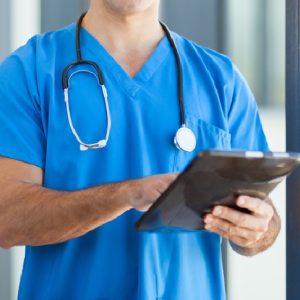 """Napoli, """"Non hai nulla da fare, misurami la pressione"""": infermiere di famiglia aggredito verbalmente"""