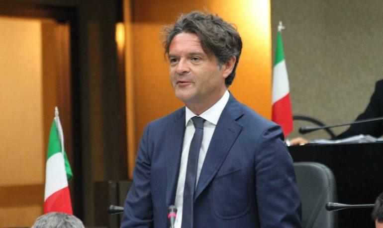 """Puglia, """"Burocrazia blocca gli 833 milioni di euro da spendere in sanità"""""""