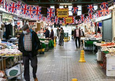Regno Unito, salgono i casi Covid: colpa della variante Delta
