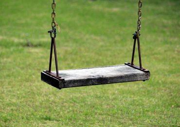 Ventenne caccia e insulta un bambino disabile per avere lo spazio di allenarsi
