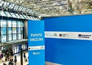 """Aeroporto di Fiumicino, inaugurato Vax&Go: vaccini anti-Covid """"al volo"""" per chi parte"""
