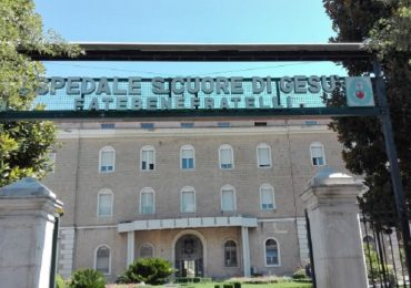 """Benevento, nuova aggressione in ospedale: """"colpa"""" di un tampone"""