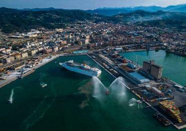 La Spezia, non segnalarono dipendente malato su nave da crociera: indagati 2 medici