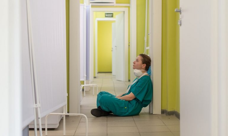 """Nursind Parma e Reggio Emilia: """"Tutti a ringraziare ed elogiare gli infermieri, ma restiamo i professionisti sanitari con lo stipendio più basso d'Europa"""""""