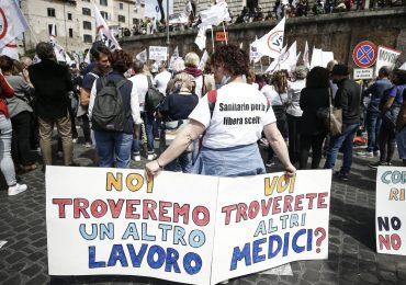 Pordenone: sospesi 177 professionisti della salute NoVax.  46 sono infermieri