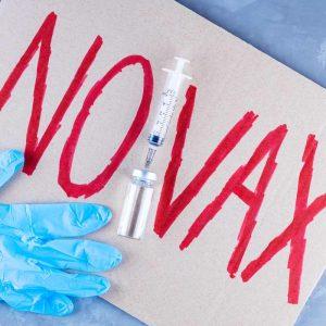 Modena: altri 5 sanitari non vaccinati
