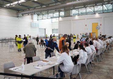 Gli infermieri dell'Hub vaccinale, senza stipendio da 7 mesi, scrivono al Gen. Figliuolo