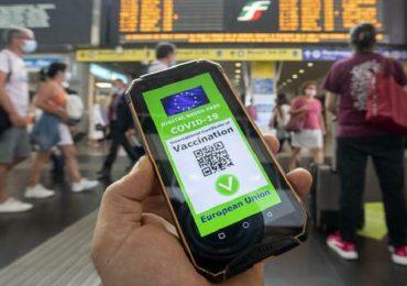 Green Pass, nuove regole dal 1° settembre: obbligo per mezzi di trasporto, scuola e università