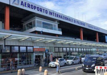 Palermo, positivo al Covid tenta di salire sull'aereo: passeggera lancia l'allarme