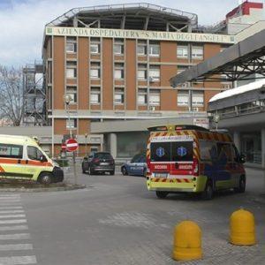 Pordenone, parto casalingo finisce in tragedia: bimba morta e osteriche sotto inchiesta