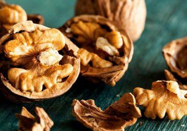"""Salute cardiovascolare, mangiare noci diminuisce il """"colesterolo cattivo"""""""