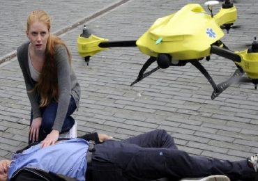 """Studio svedese: """"Droni più efficaci delle ambulanze nel consegnare defibrillatori"""""""