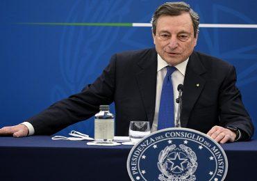 """Coronavirus, Draghi: """"Si va verso obbligo vaccinale e terza dose"""". Il parere degli esperti"""
