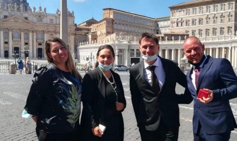 Coronavirus, una famiglia di infermieri in prima linea: Mattarella premia 4 fratelli