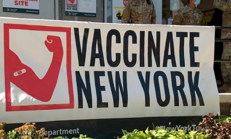 New York, linea dura contro i sanitari no vax: licenziamento e niente sussidio di disoccupazione