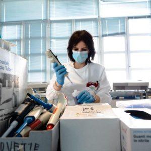 Vaccino anti COVID-19: dopo 6 mesi dal completamento del ciclo vaccinale, lo studio sul personale dell'Ospedale Niguarda conferma la presenza degli anticorpi anti Spike