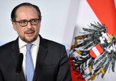 Austria, possibile lockdown per i non vaccinati contro il Covid